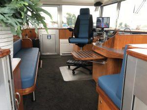 Herstoffering stuurhut binnenvaartschip