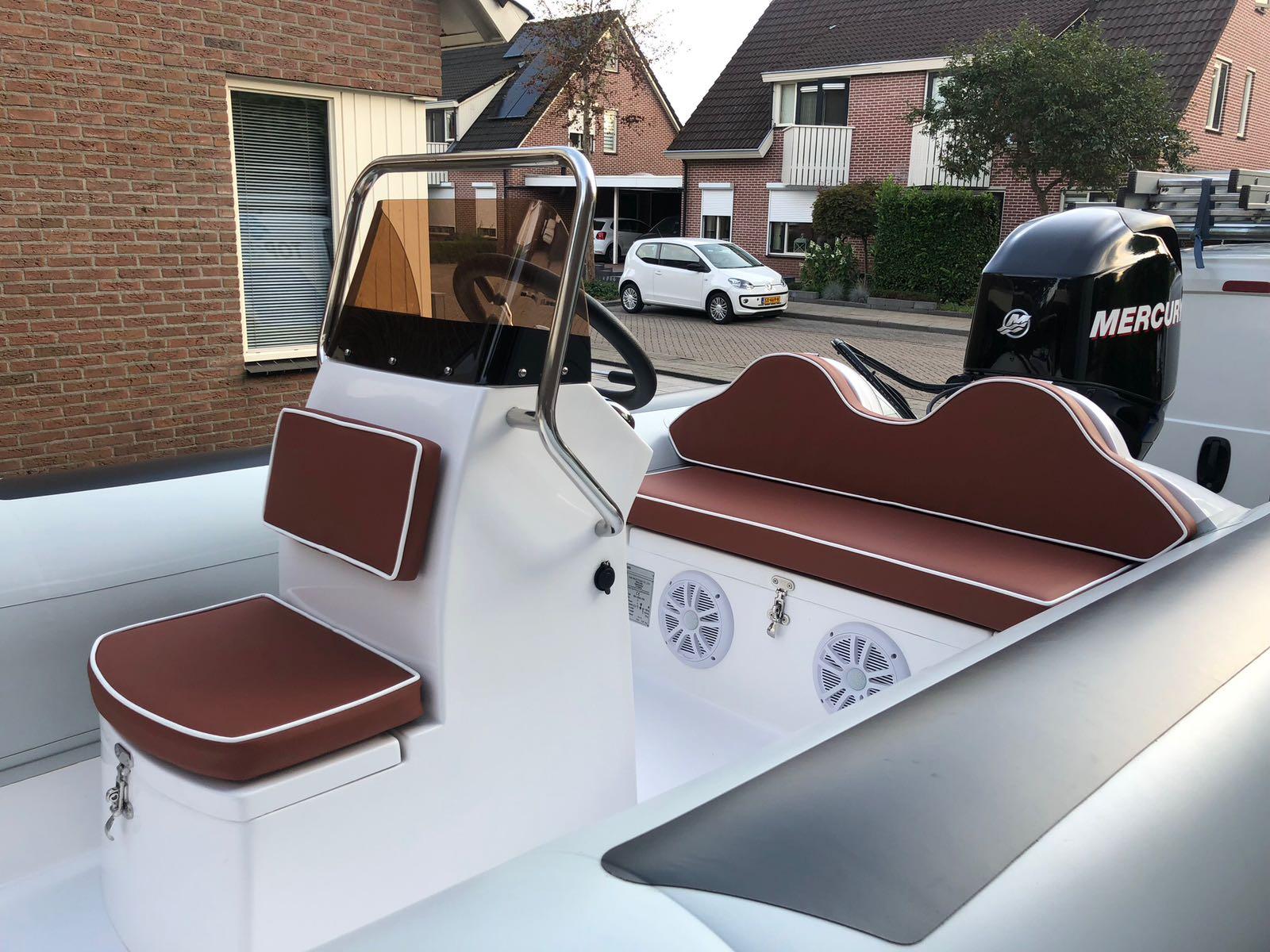 Nieuwe speedboot \