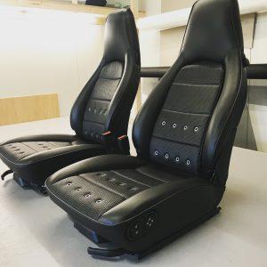 Stoffering voertuigen, Porsche hemel en stoelen in singerstyle