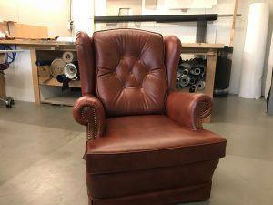 Meubelstoffering lederen fauteuil