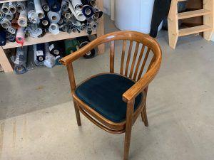 Meubelstofferen van diverse klassieke stoelen