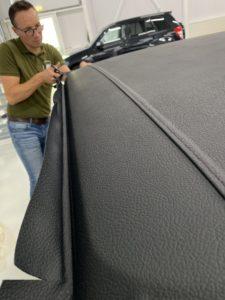 Stoffering voertuigen, herbekleden dak vinyl